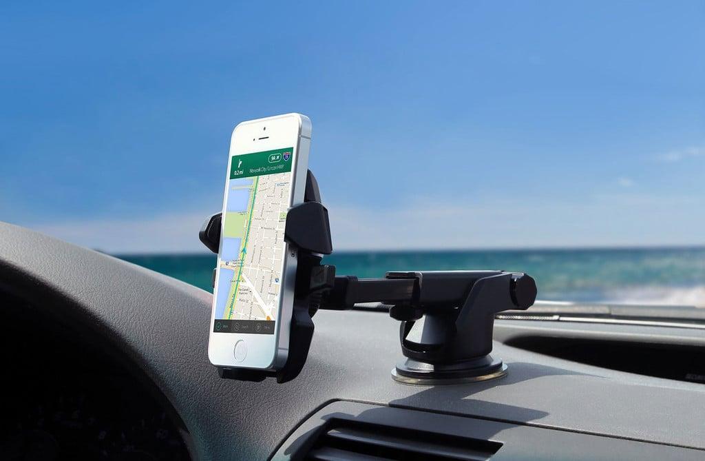 En kaliteli araç içi telefon tutucular sürücülere kolaylık sağlıyor